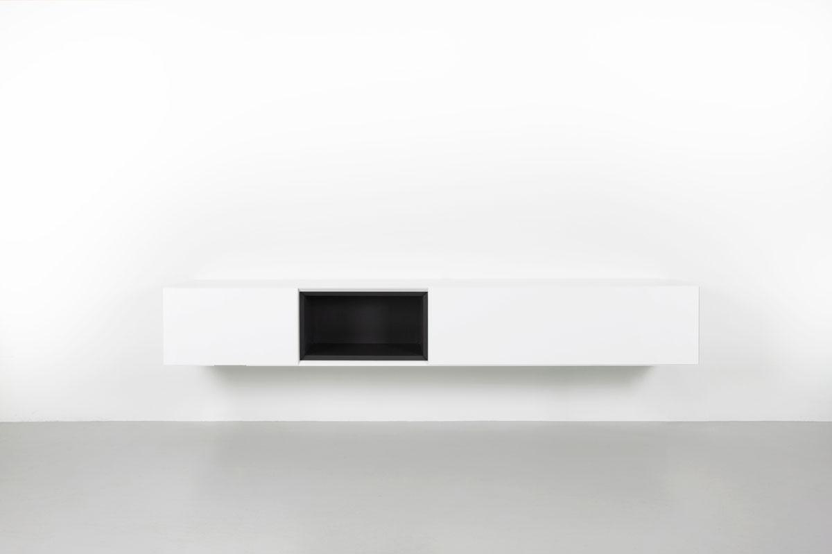 zwevend tv meubel met zwart open vak
